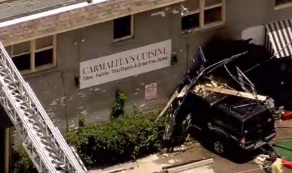 Houston: Camioneta se estrella contra restaurante en el barrio Heights