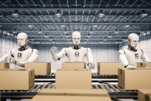 El alza en el salario mínimo hará que los empleadores apuesten por máquinas en lugar de trabajadores, asegura experto