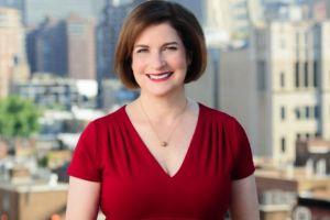 """Mujeres demandan al canal """"NY1 News"""" alegando discriminación por edad y género"""