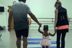 ¡Ternurita! Russel Wilson toma clases de ballet con su pequeña hija