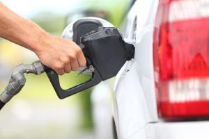 Impuesto a la gasolina y restricciones para uso de redes sociales, entre las leyes que entran en vigor en julio