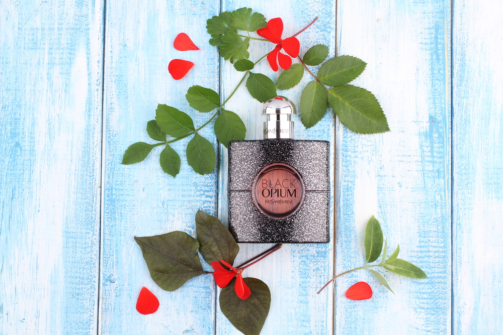 Los 4 mejores perfumes Yves Saint Laurent de mujer por menos de $100