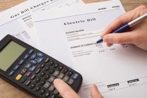 ¿Cómo puedo recibir ayuda económica para pagar la electricidad y el gas?