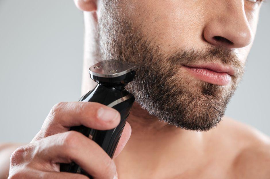Las 5 máquinas de afeitar multifunción que todo hombre debe tener en casa