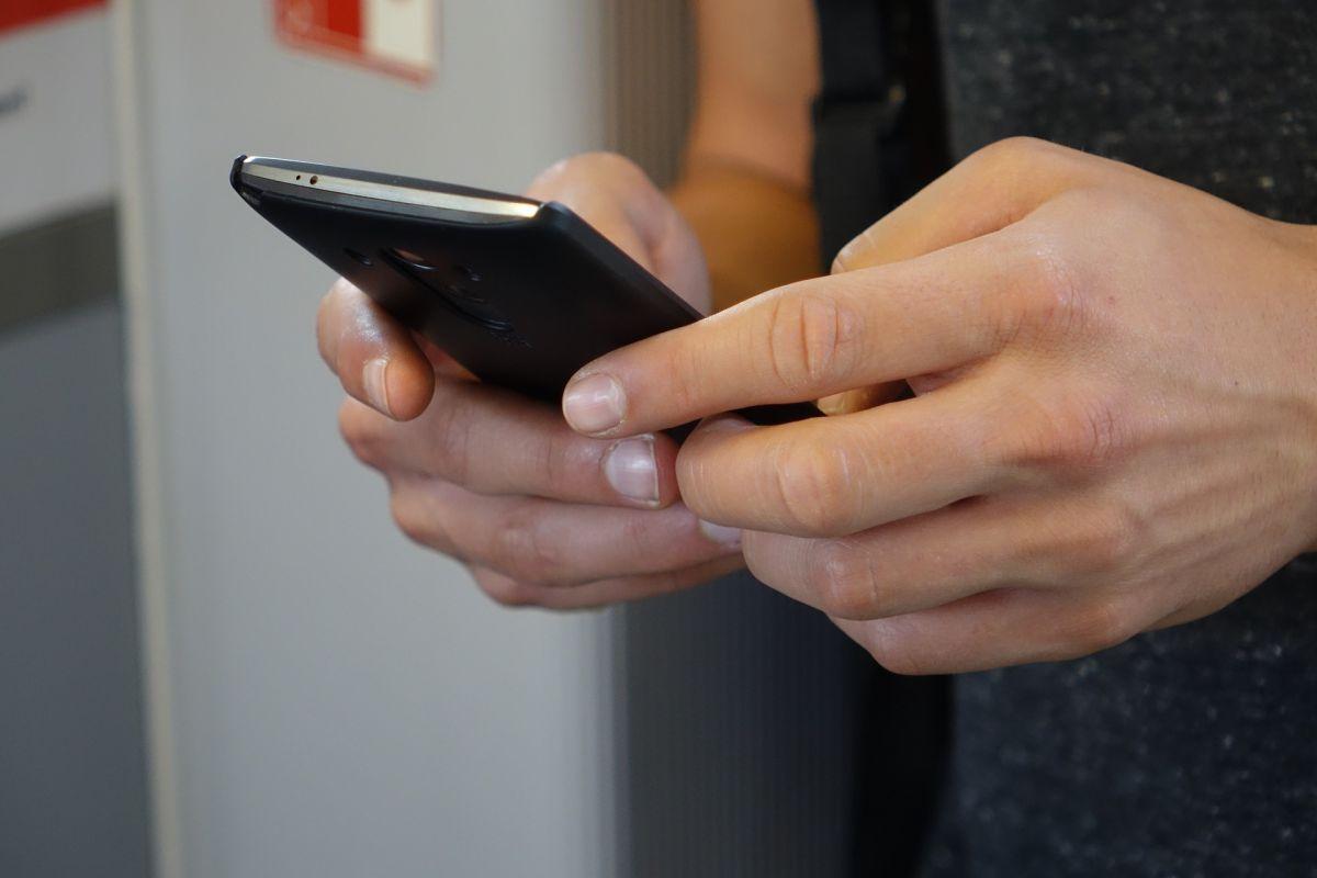 El truco de WhatsApp con el que nadie sabrá si estás conectado o leíste los mensajes