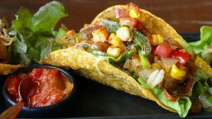 Aprende a preparar 3 deliciosos tacos vegetarianos para no engordar