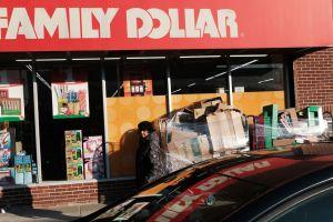 Lo que SÍ y lo que NO debes comprar en una tienda de descuentos