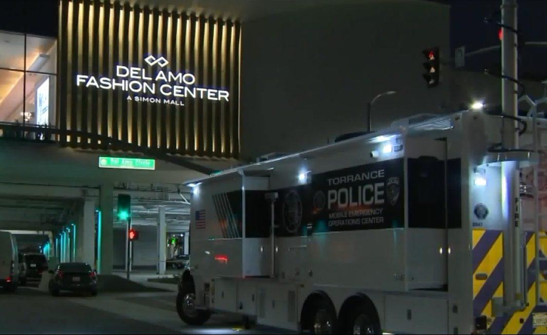 Buscan a causante de tiroteo en centro comercial Del Amo