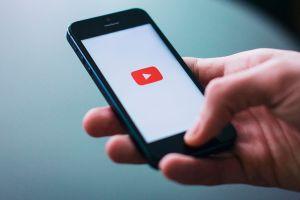 ¿Cómo ganar dinero por sólo ver videos?
