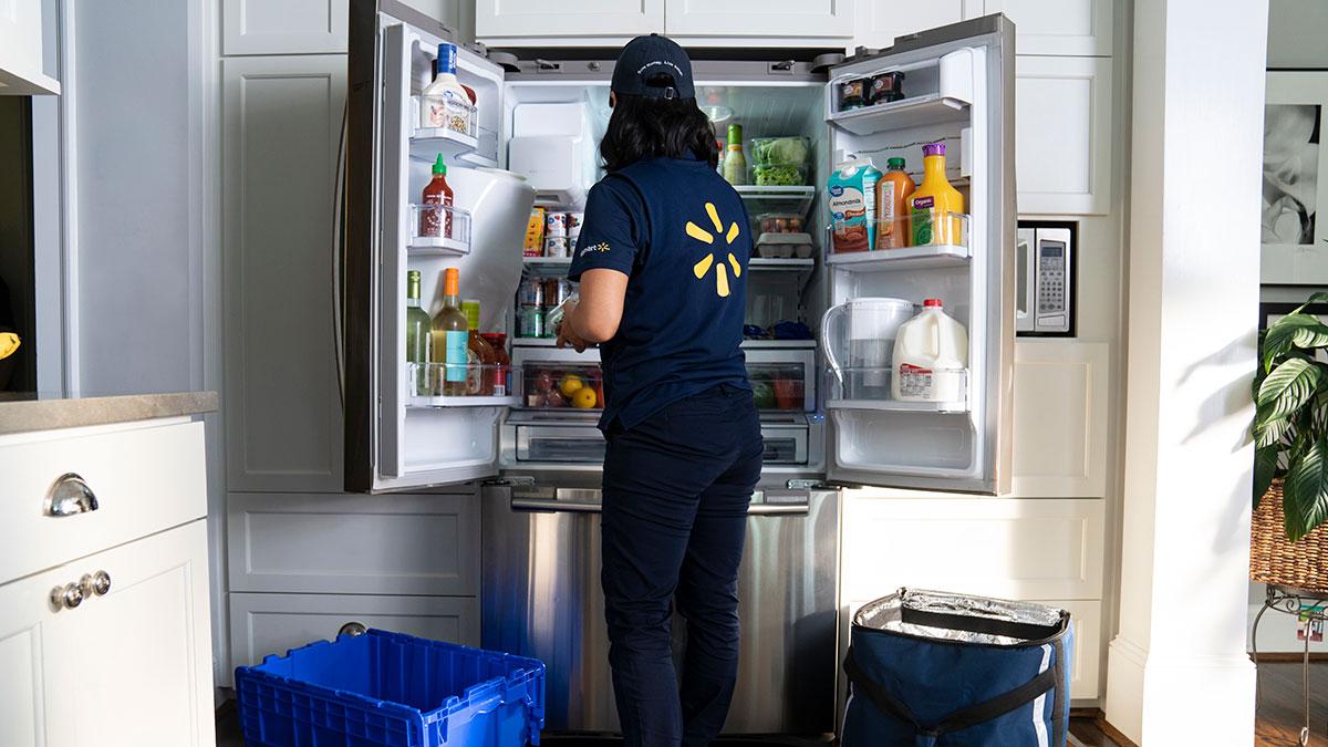 Walmart planea entrar a tu casa y entregar pedidos, ¡aun cuando no estés!