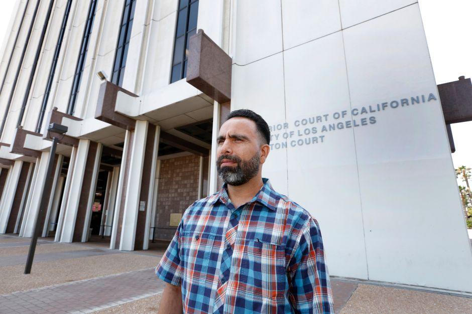 Demanda a la ciudad de Compton luego de estar encarcelado por 20 años erróneamente