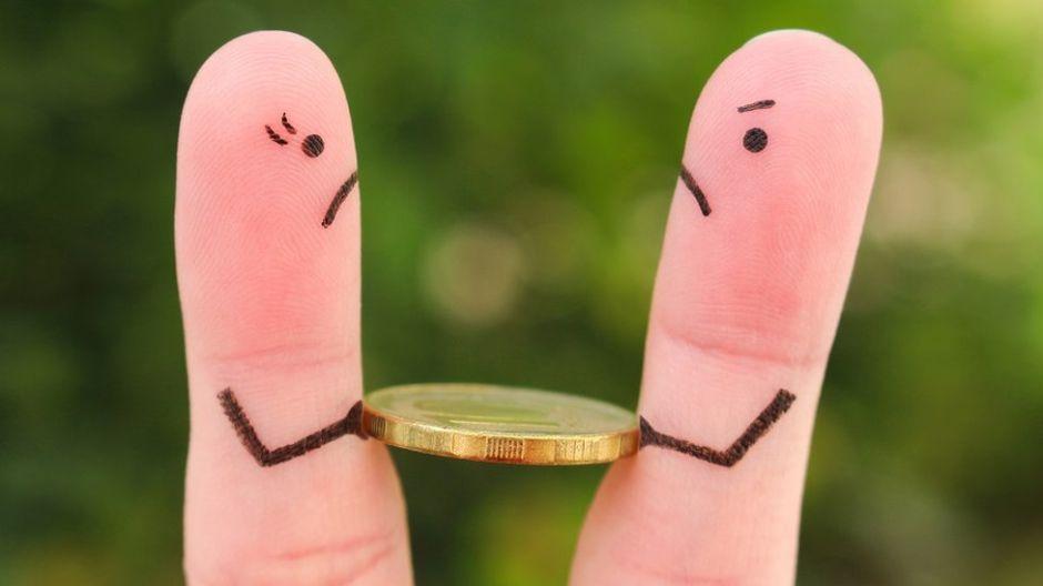 4 razones por las que peleamos por dinero con nuestra pareja o amigos