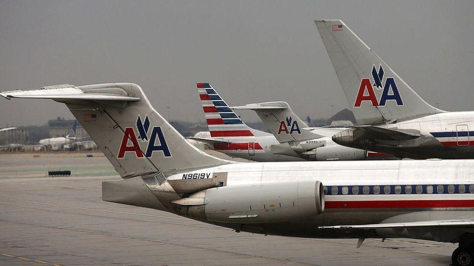 """La polémica del """"atuendo inapropiado"""" de una pasajera a la que American Airlines pidió cubrirse"""