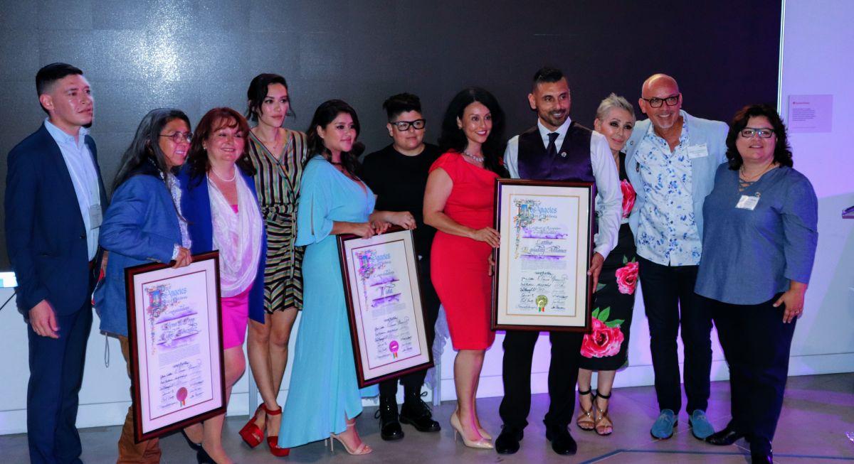 Premios Purple Lily reconoce a los campeones que han hecho la diferencia en la comunidad LGBTQ /LatinX