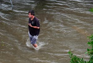 Barry toca tierra en Luisiana como primer huracán de la temporada atlántica