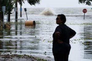 Las primeras fotos del azote de Barry, que llegó como huracán a Luisiana