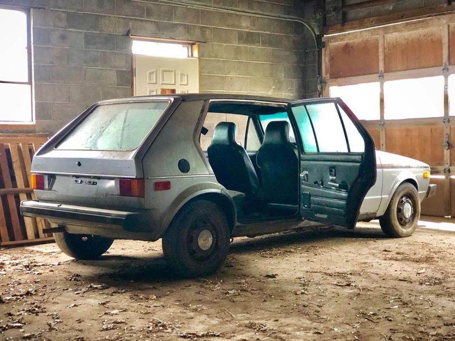 Encuentran prototipo de Volkswagen Rabbit que una compañía de taxis construyó hace más de 40 años