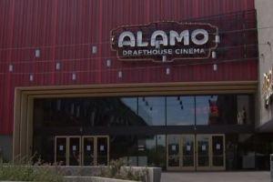 Texas: Alamo Drafthouse lanza iniciativa para ayudar a familias inmigrantes y refugiados