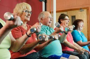 5 ejercicios para que adultos mayores fortalezcan su musculatura