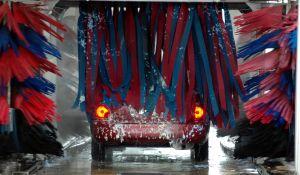¿Los lavados de autos automáticos dañan los vehículos?