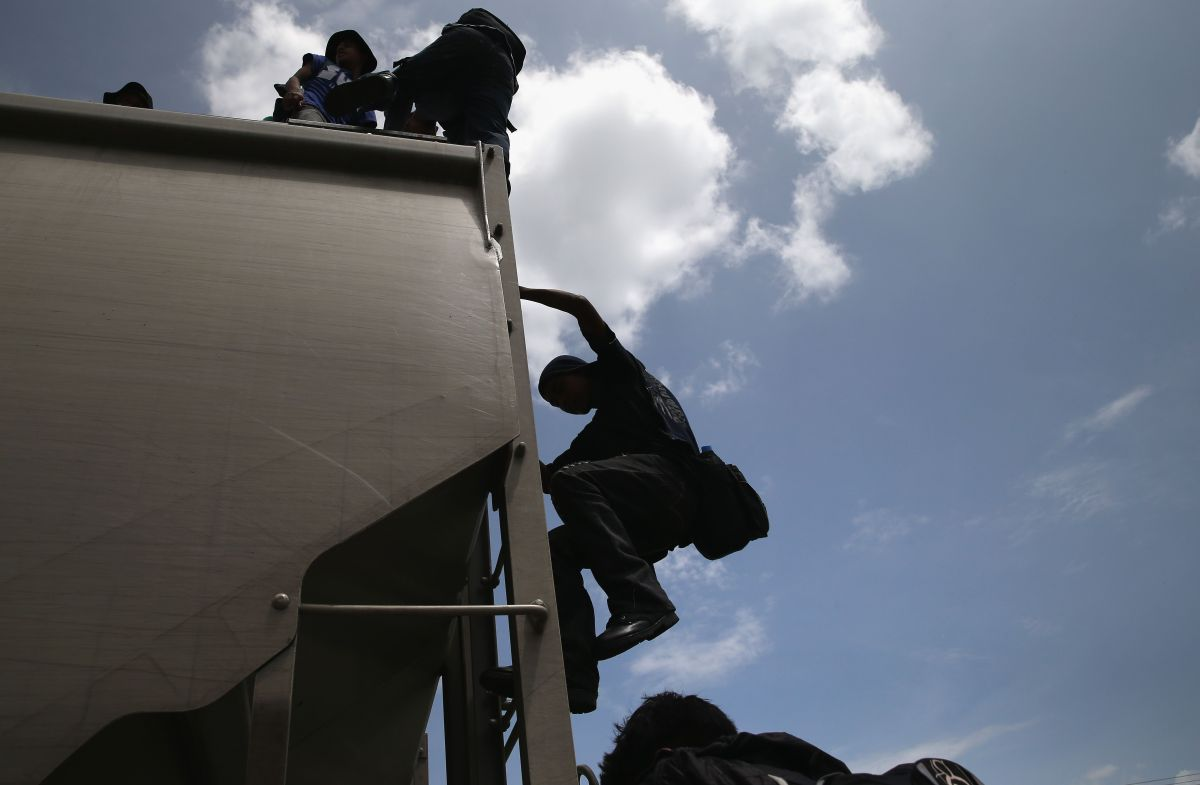 México deporta a 106 migrantes hondureños desde el estado de Veracruz