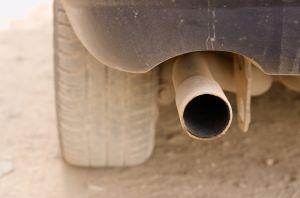 ¿Cómo funciona el tubo de escape en un motor de dos tiempos?