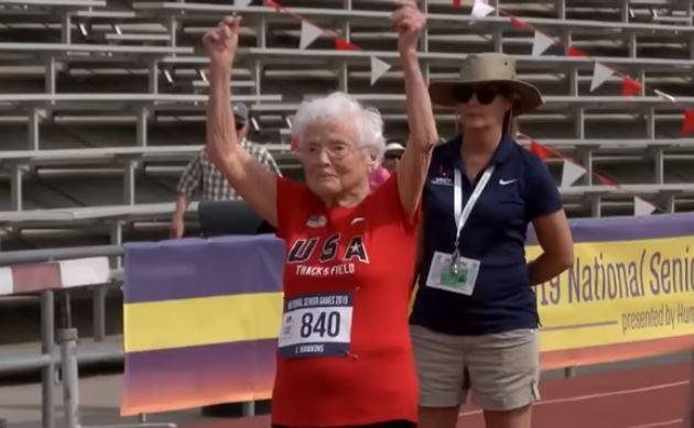 Tiene 103 años, es corredora y revela sus secretos para mantener una vida plena