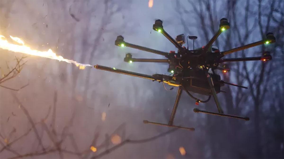 Debes saber que sólo te venderán el lanzallamas, por lo que tú deberás proporcionar un dron apropiado para montarlo.