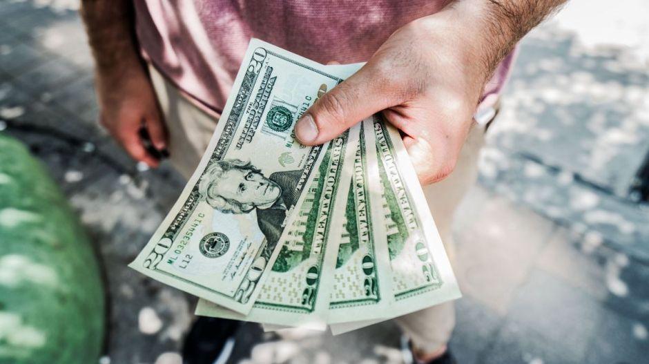 Errores con el dinero que te meterán en problemas si los cometes después de los 30
