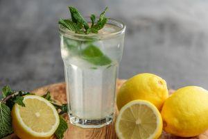 Elimina toxinas y baja de peso con limón dulce