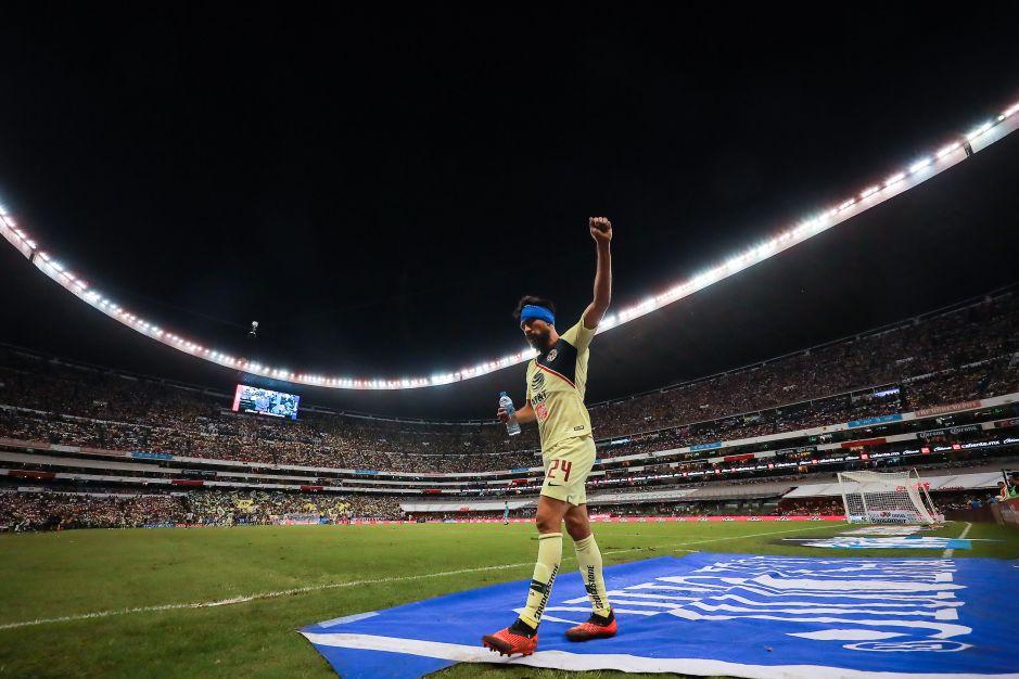 Aficionados de América siguen amando a Oribe Peralta