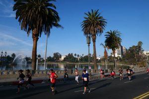 Corredor de maratón de 70 años, acusado de hacer trampa, fue hallado muerto en río de Los Ángeles
