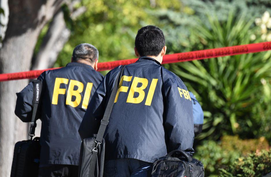 FBI arresta a un hombre que planeaba atacar con bombas a sinagogas y bares LGBTQ