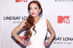 Lindsay Lohan comparte ardiente postal en ropa interior y revela fecha de lanzamiento de su nuevo disco