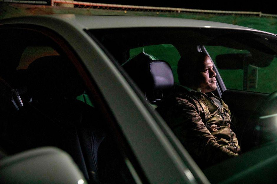 Los conductores de Uber viven en sus autos porque no ganan lo suficiente