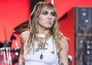 Miley Cyrus hace pública la histeria con la que vive su cuarentena por coronavirus