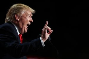 """Trump pide a congresistas inmigrantes regresar """"de donde vinieron"""" e """"irse lo antes posible"""""""