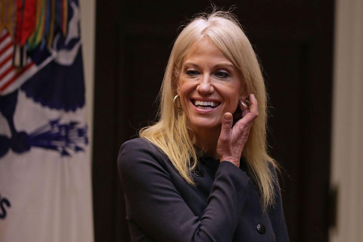Kellyanne Conway, asesora estrella de Trump, se pone el ...