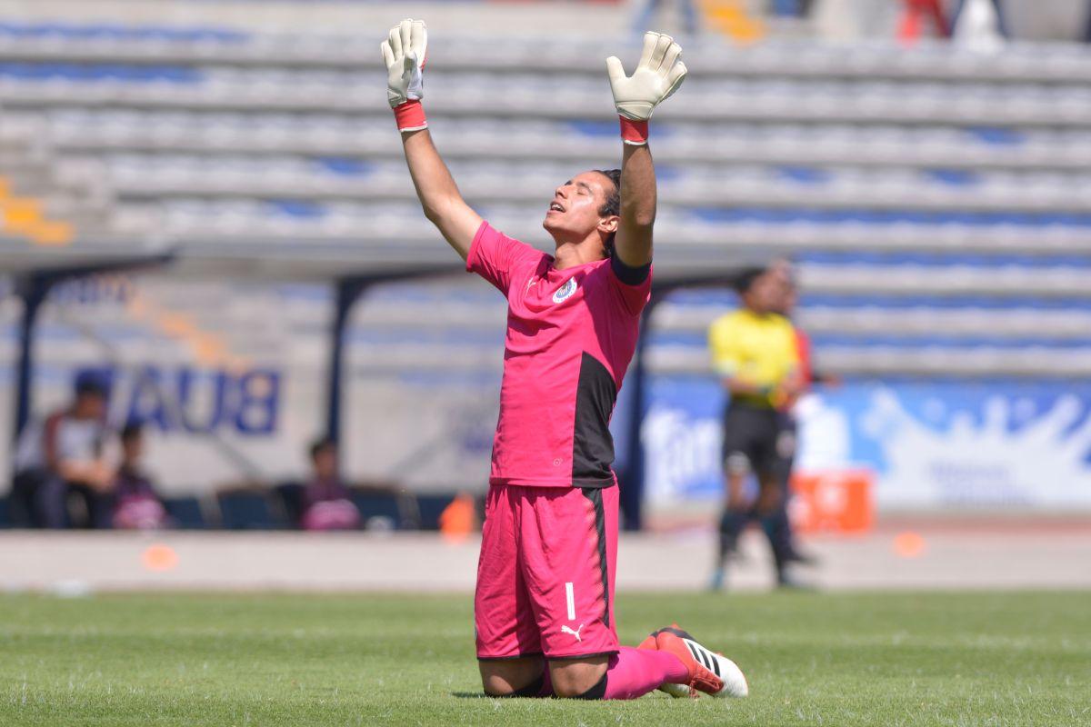 Chivas ya quería sentar a Toño Rodríguez, pero Gudiño estaría lesionado