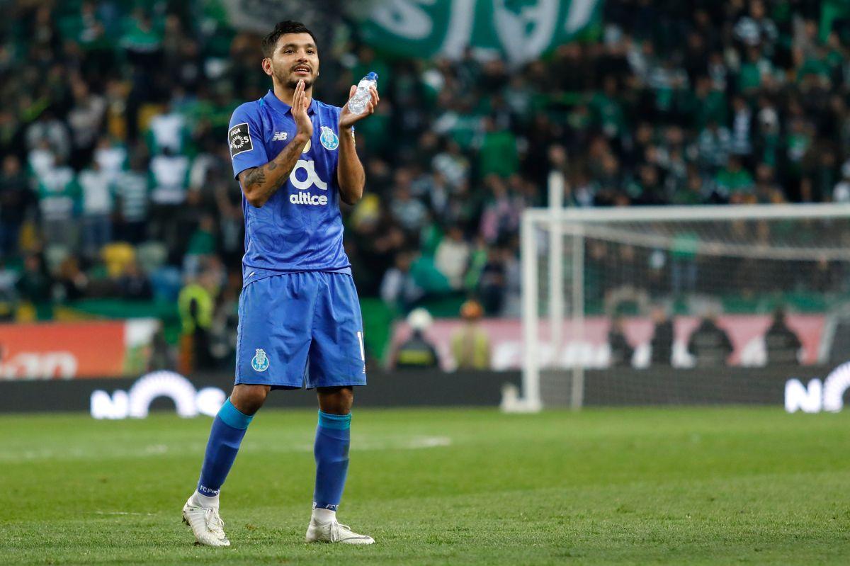Sevilla dispuesto a pagar $35 millones de dólares por 'Tecatito'