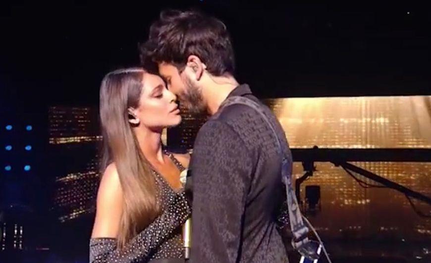 La romántica presentación de Sebastián Yatra y Tini Stoessel en Premios Juventud