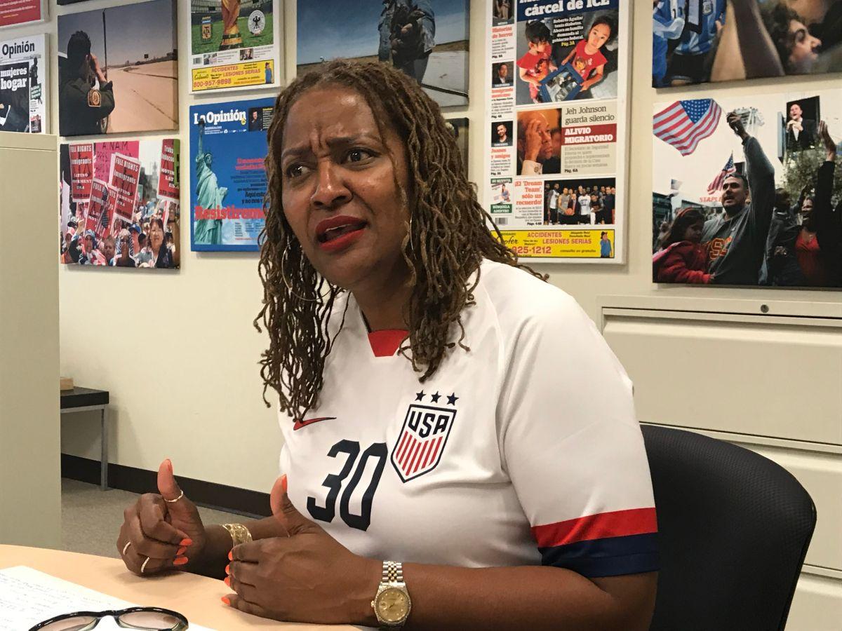 Con su victoria al cargo de supervisora Holly Mitchell, convierte a la Junta de Supervisores, en un cuerpo legislativo de solo mujeres. (Araceli Martínez/La Opinión)