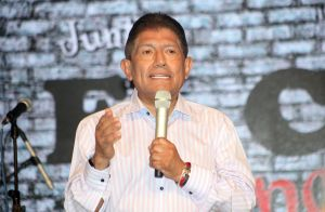 Juan Osorio confiesa que lo regañaron en Televisa por hablar del COVID-19 en su telenovela