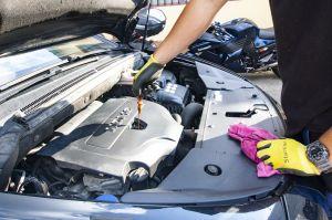 Paso a paso, cómo limpiar el motor de tu auto y dejarlo como nuevo