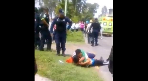 VIDEO: Matan a ladrón, padre llora desconsolado ante cádaver y hermano jura vengarse