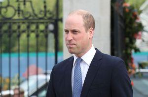 El bonito gesto del príncipe William con unos admiradores de su madre