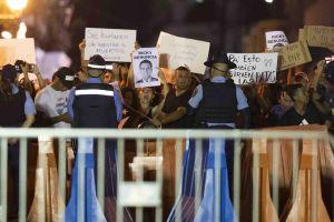 Puertorriqueños protestan en Fortaleza para exigir renuncia de gobernador Ricardo Rosselló
