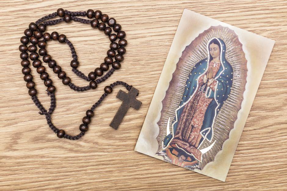 5 collares con la medalla de la Virgen de Guadalupe por menos de $25