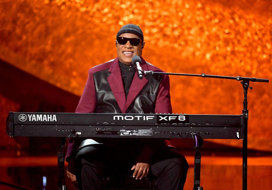 Stevie Wonder anuncia pausa en sus giras pues se someterá a trasplante de órgano