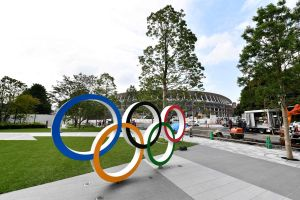 Sin demasiado tacto, en Japón presionan para ponerle fecha a los 'nuevos' Juegos Olímpicos